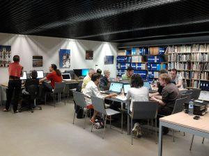 Edit-a-thon réalisé par les membres renais de Wikimédia France au Musée de Bretagne, juin 2014 – Léa Lacroix aka Auregann, CC BY-SA 3.0
